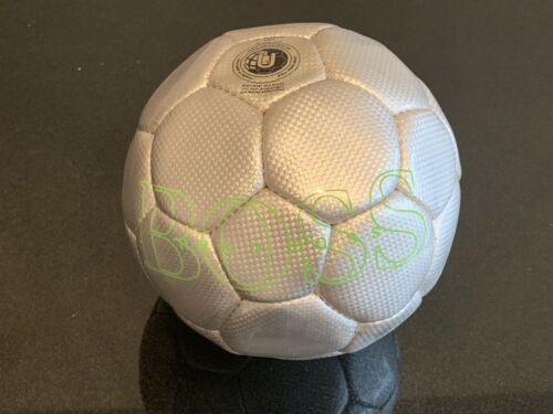 ⚽ HUGO BOSS Fußball silber mit grüner Schrift, neu und unbespielt, Herrengröße