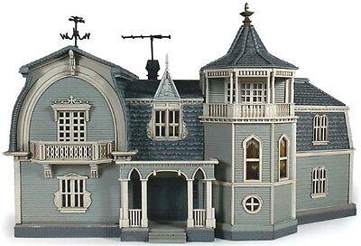 Moebius Models [MOE] 1:87 Munster's House Pre-Built Display Model 2929 MOE2929