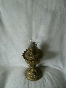LAMPE-A-PETROLE-ANGELOT-EN-BRONZE