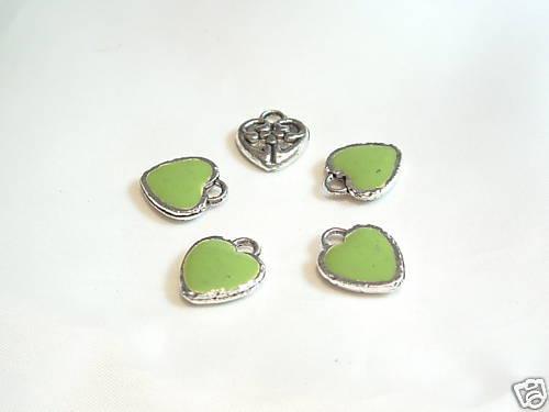 5 x Silvertone Enamel Charms BNEC43 Green Heart