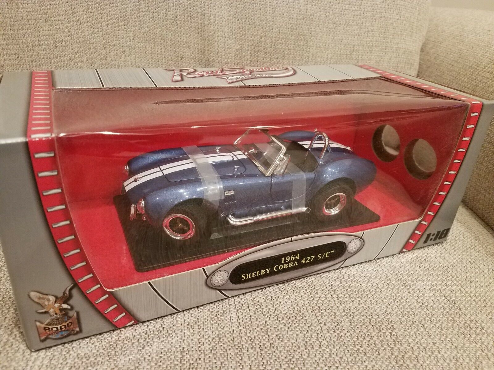 1 18 Yat Ming Road Signature blu 1964 Shelby Cobra 427 SC Item 92058 NEW IN BOX