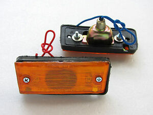 72-78-TOYOTA-HILUX-RN25-A-PAIR-OF-SIDE-MARKER-TURN-SIGNAL-LIGHT-NEW