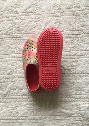 New Young Girls Slip On Water Shoes Coral Print Choose Size