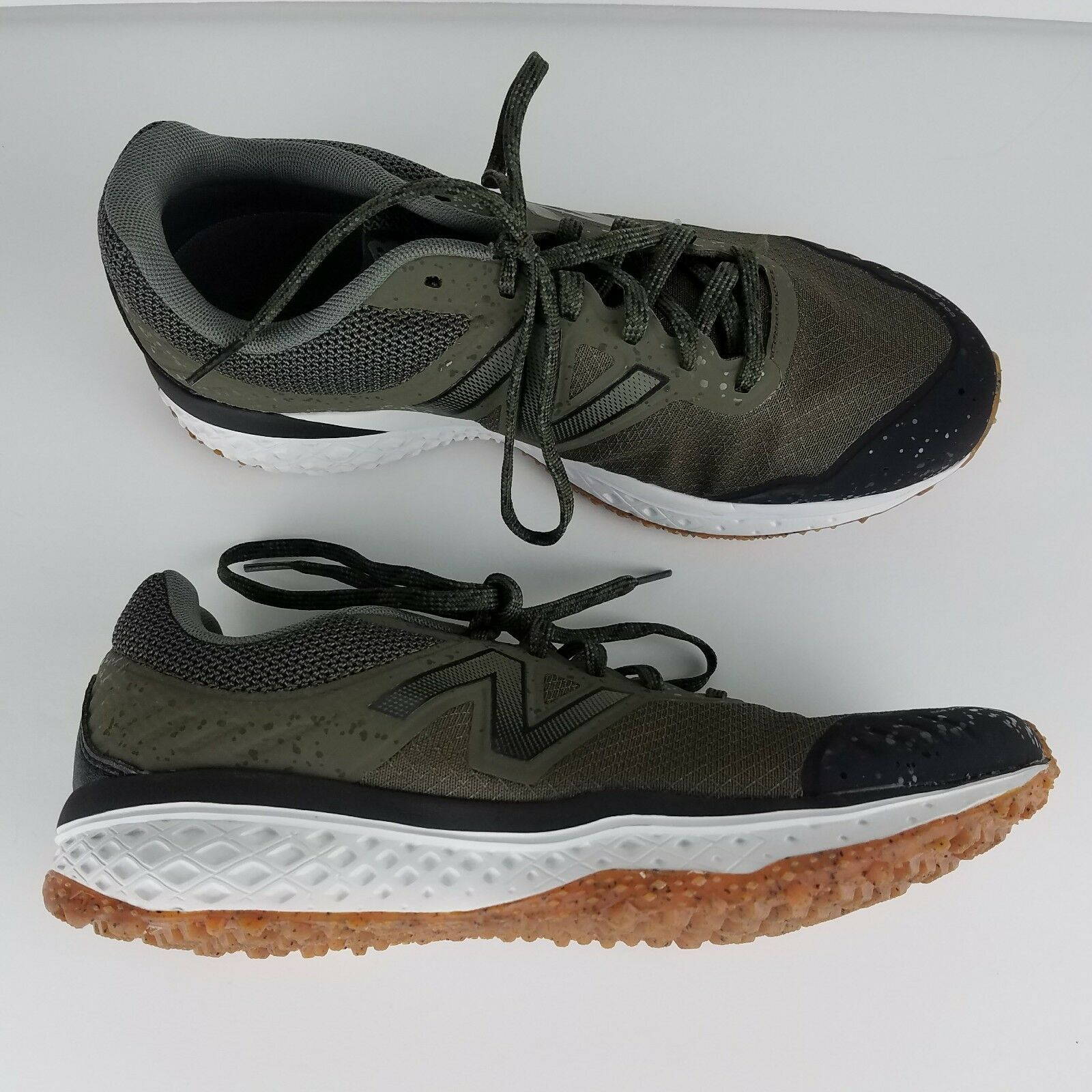 NEW Men's New Balance 620v2 Trail Running XWide shoes (4E) MT620RS2 Size 8
