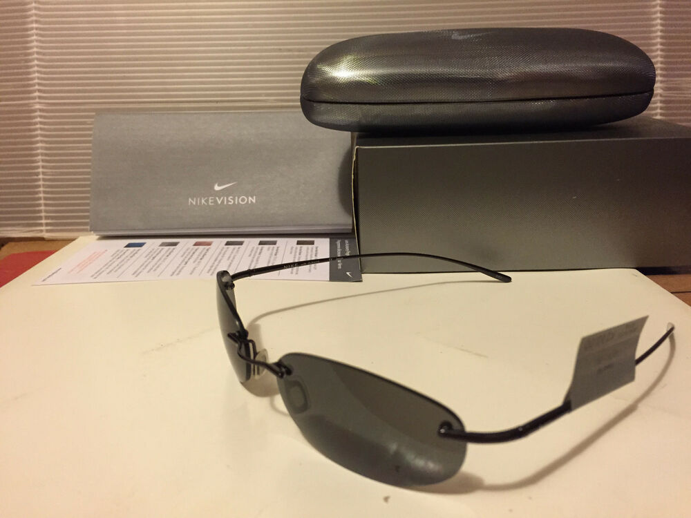 NOUVEAU Nike Linear Round Titanium Sunglasses Noir Frame / Grey lens, EV0085-001 Chaussures de sport pour hommes et femmes