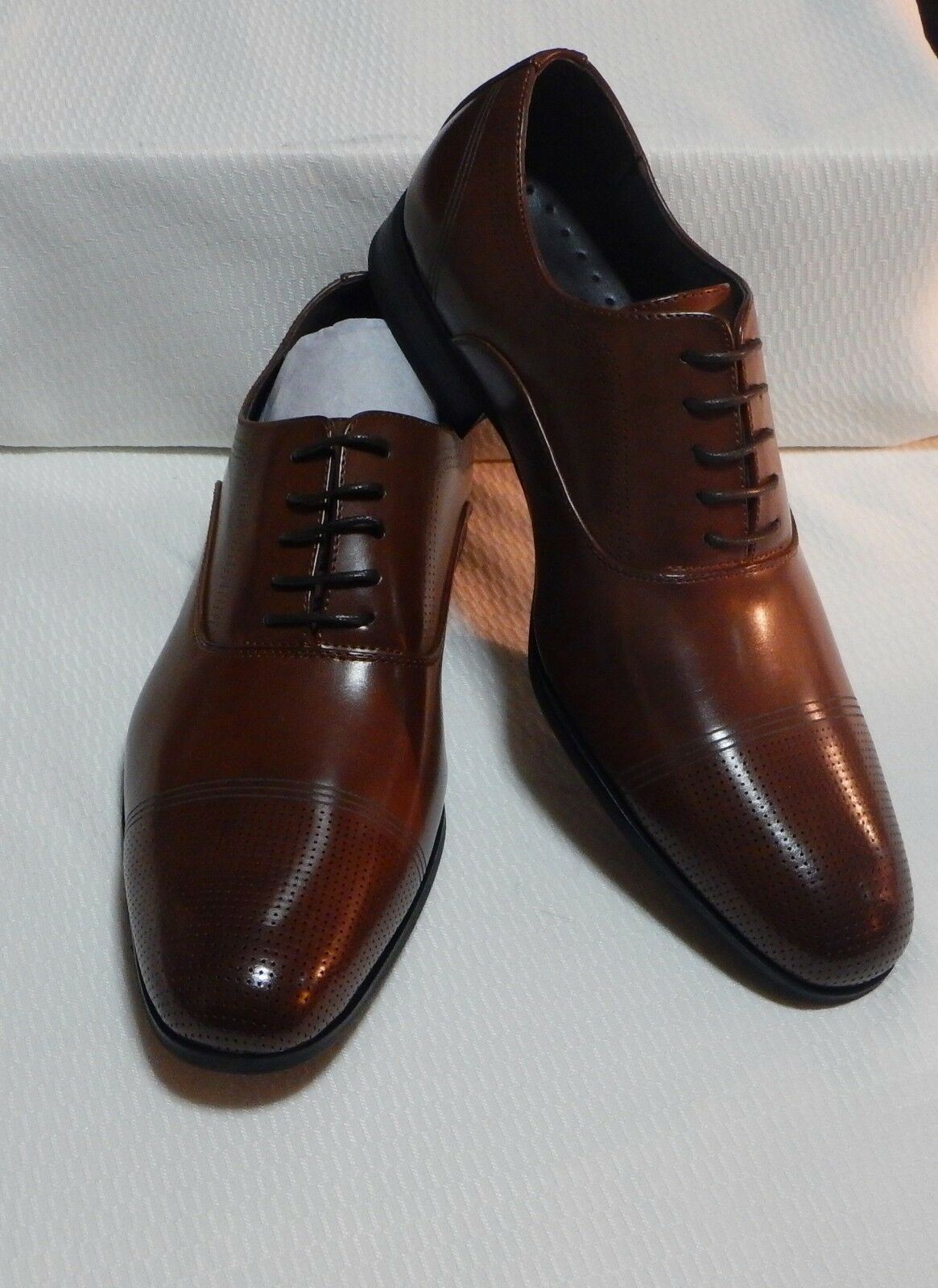 KENNETH COLE CAP TOE OXFORD( COGNAC ) NEW WITH BOX SIZE 12 M  #1965-3