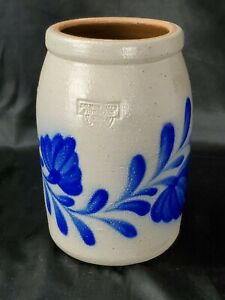 Vintage-Salmon-Falls-Pottery-Stoneware-2006-Dover-Blue-Vine-amp-Floral-Crock-7-034