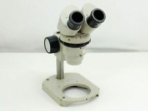 Nikon-Microscope-with-Focus-Block-and-Stand-0-8x-4-0x