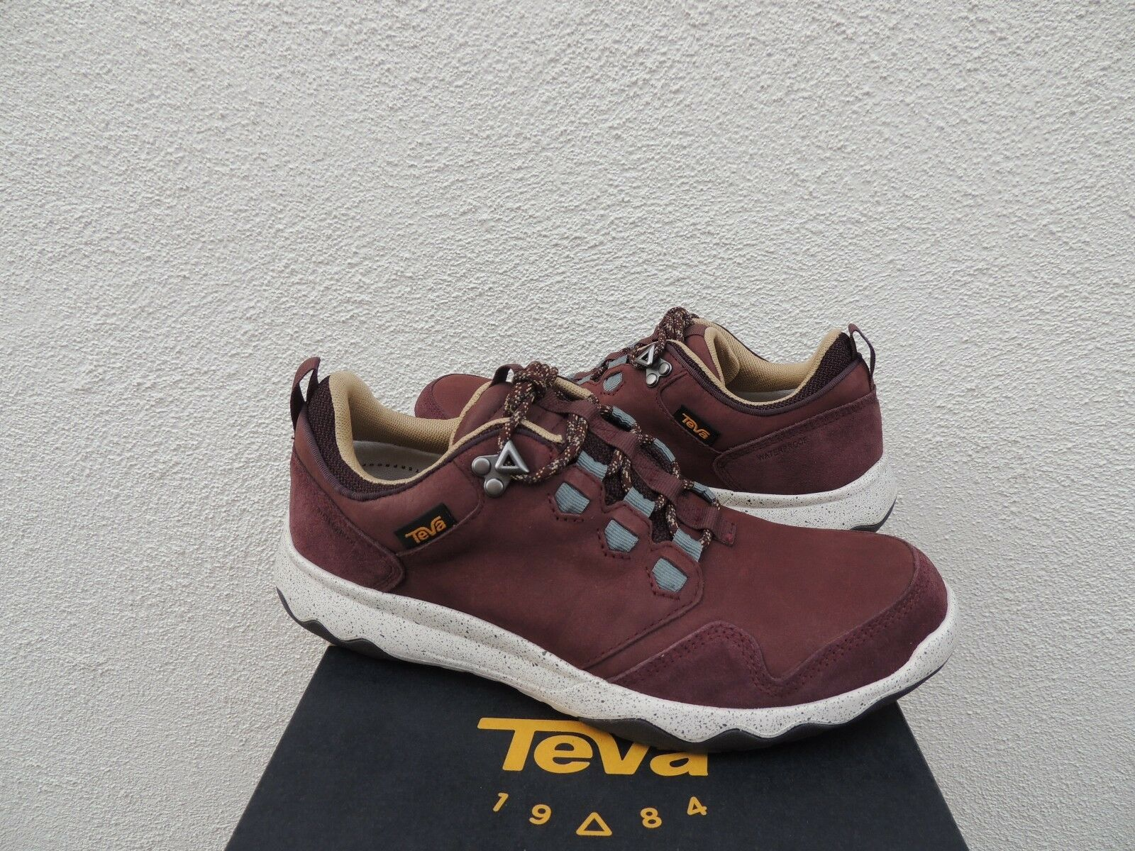 TEVA MAHOGANY ARROWOOD LUX WP LEATHER SNEAKER SHOES, MEN US 9/ ~NEW