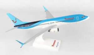 SKR839-SKYMARKS-THOMSON-AIRWAYS-737-800-1-130-DISPLAY-MODEL-AIRPLANE