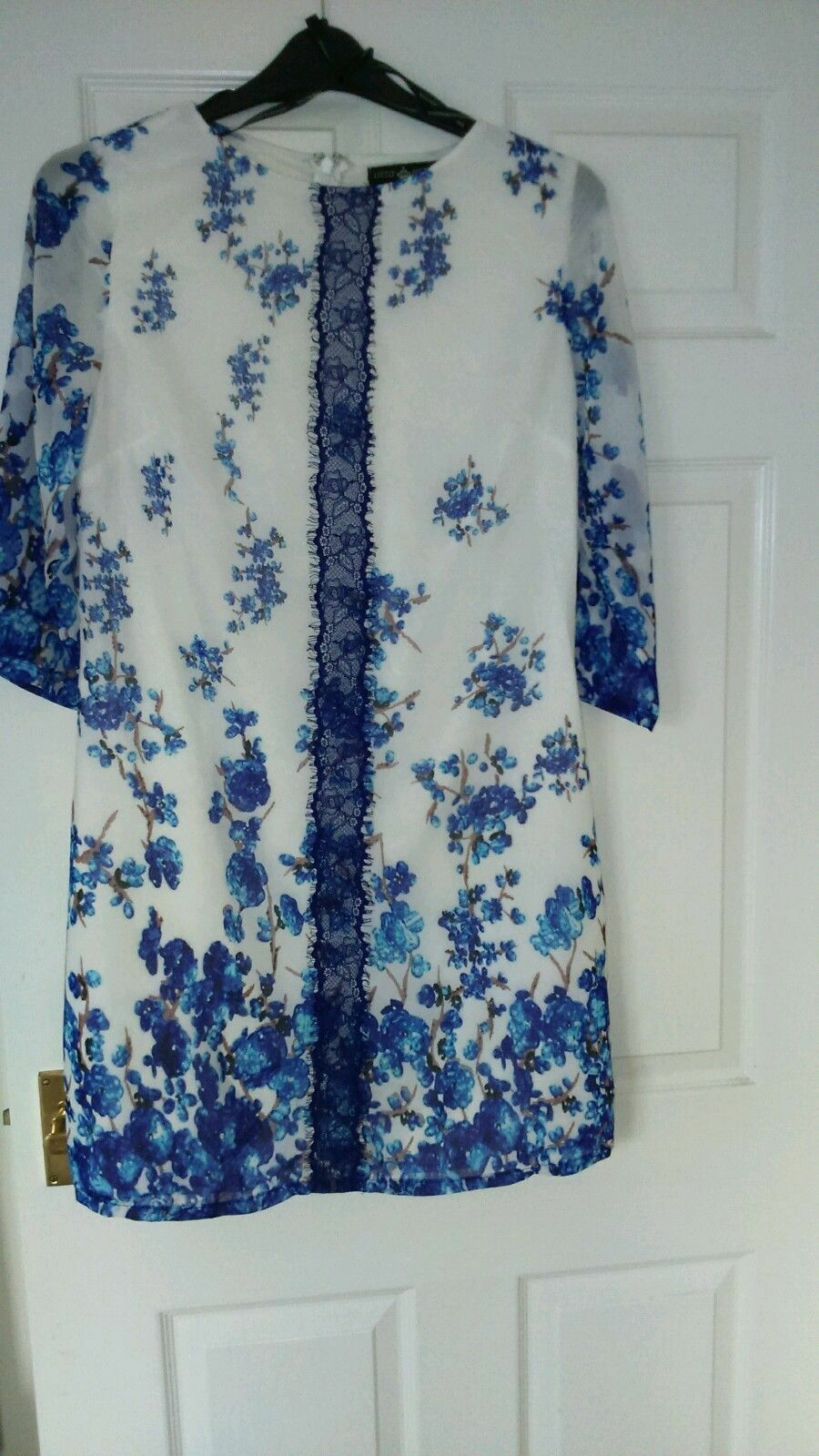 BNWOT LITTLE MISTRESS blueE WHITE FLORAL DRESS SIZE 14