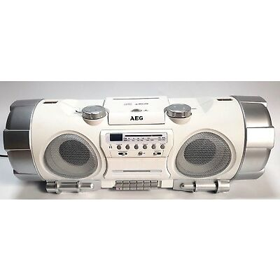 CD Player Boombox Ghettoblaster in Weis