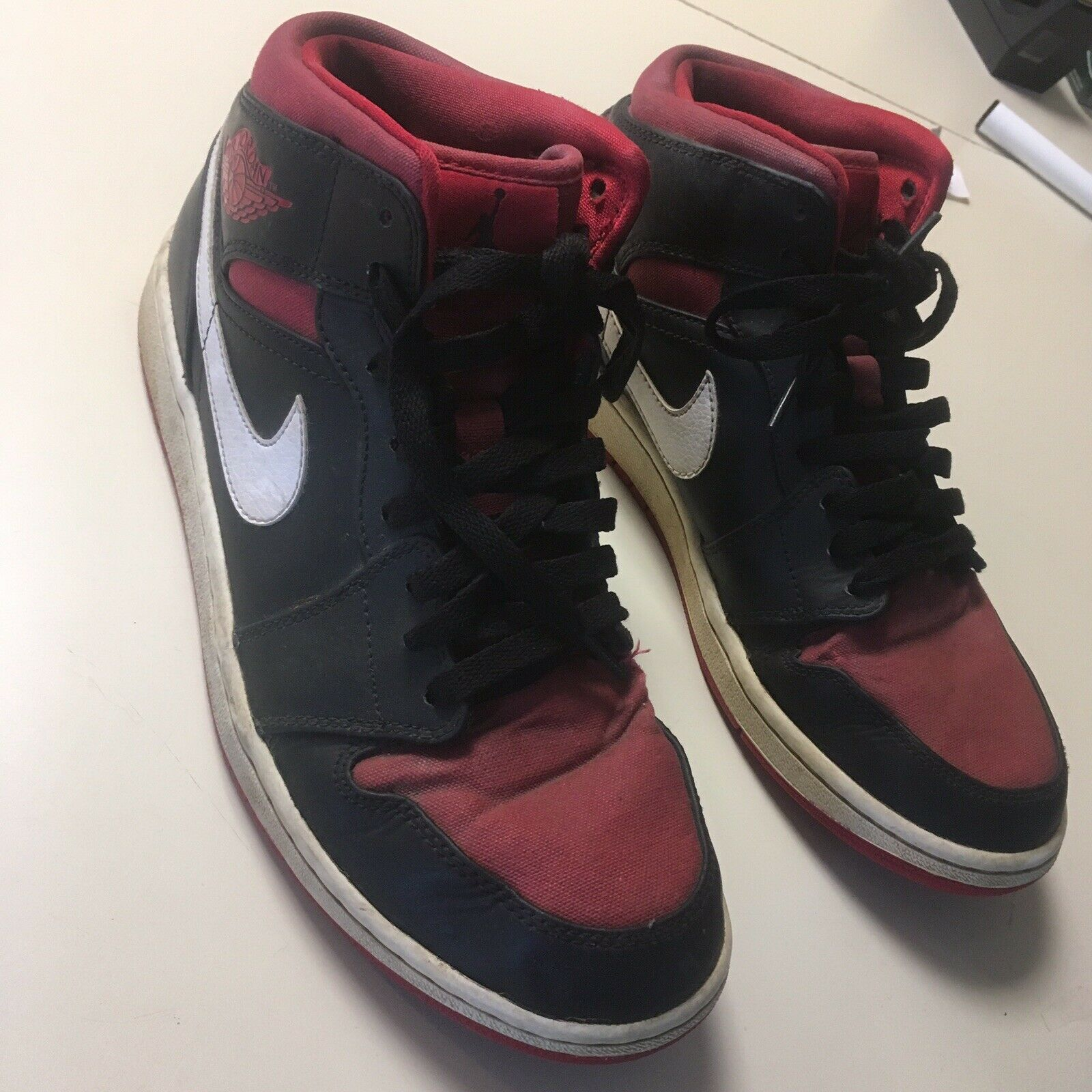 NIKE 2014 AIR JORDAN 1 RETRO MID BLACK  GYM RED  WHITE 554724-020 MENS Size 10