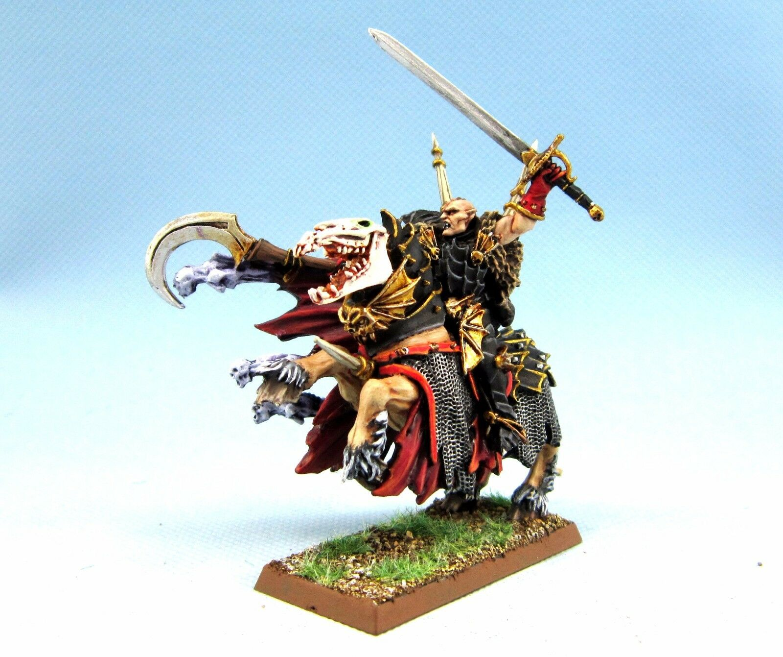 25mm Warhammer WGS Painted Vampire Counts Count Mannfred VC035