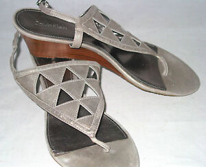 Calvin-Klein-womens-9-T-strap-thong-wedges-sandals-metallic-pewter-leather-soft