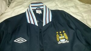 Image is loading Umbro-Manchester-City-Football-Mens-Retro-Mercer-Jacket- 5508e2b0c