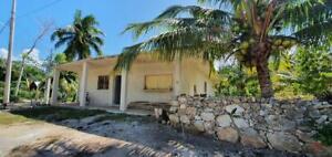 Casa con amplio terreno en LAGUNA GUERRERO