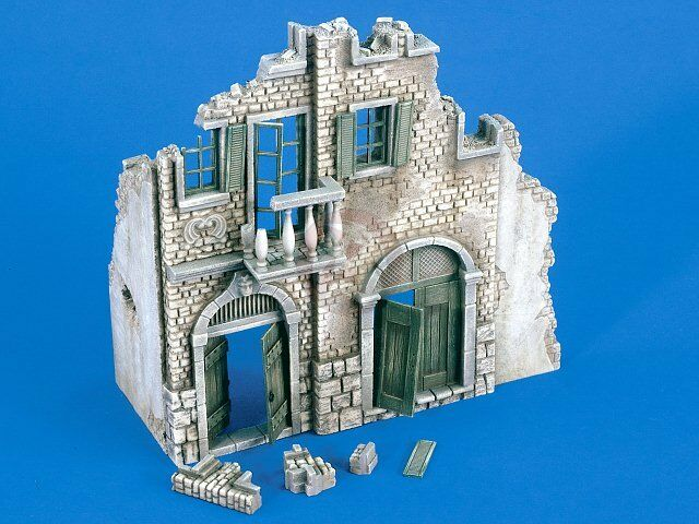 Verlinden 1 35 Italian Style 2-Story House Ruin Section [Plaster Diorama] 2264
