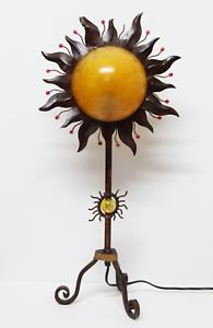 VINTAGE Lampara de Sobremesa con Forma de SOL en Hierro Fundido.   Años 70