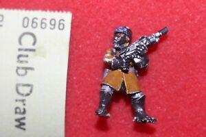 Audacieux Games Workshop Warhammer 40k Steel Legion Trooper Astra Militarum Metal Épuisé J2-afficher Le Titre D'origine