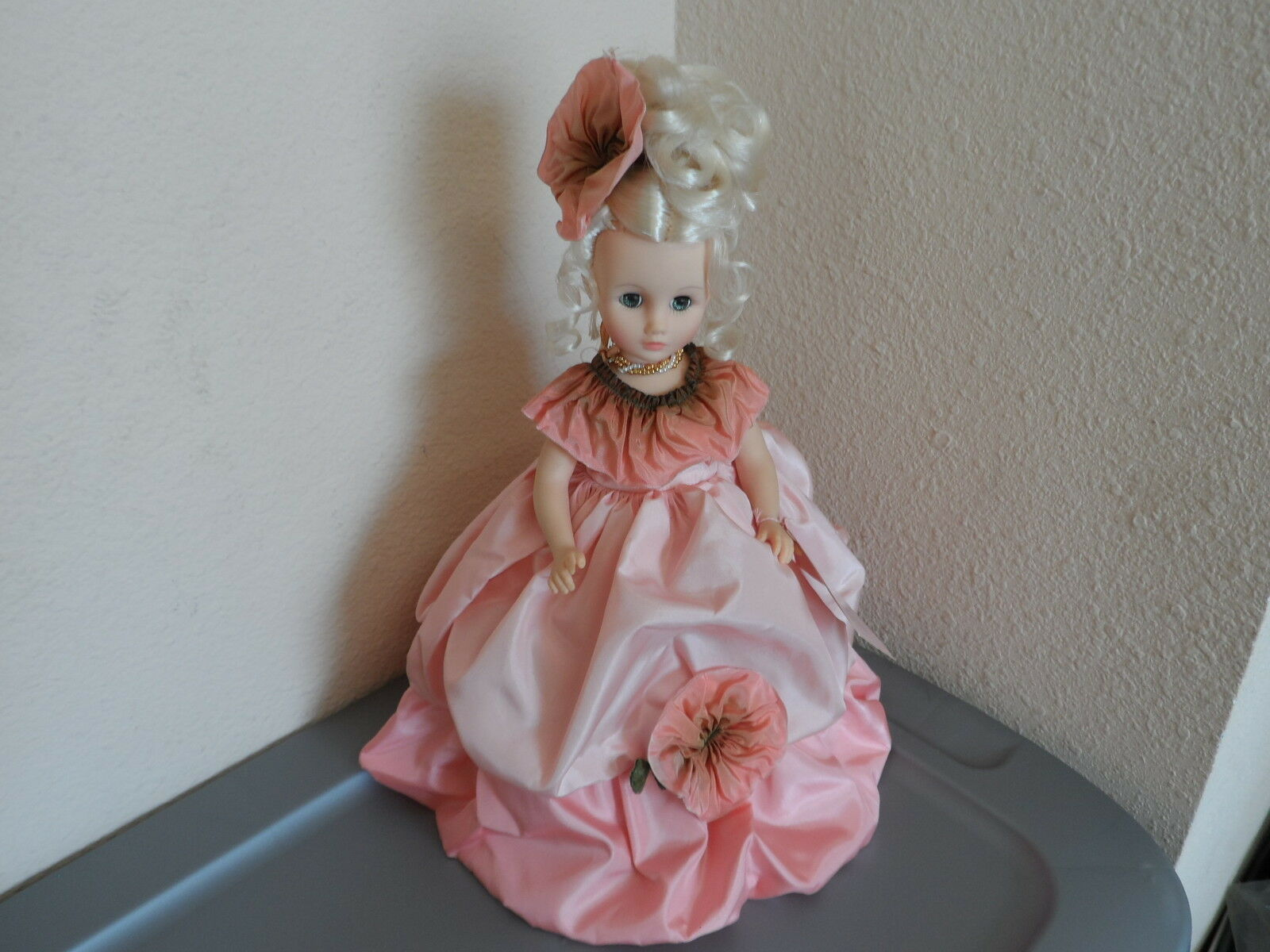 Madame Alexander Vintage Doll Moss pink 14  With All Original Tags 1559