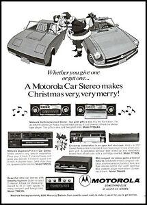1973 Motorola car stereo Santa Claus kissing woman vintage art print Ad ads9