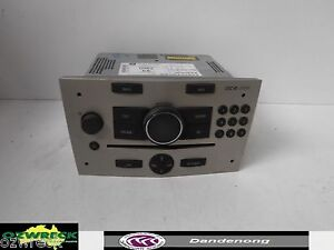 GENUINE-HOLDEN-AH-ASTRA-FACTORY-RADIO-HEAD-UNITS-SILVER-CDC-40-OPERA