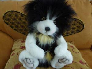 OOAK-ARTIST-Buzzbee-the-bee-bear-By-Ladybug-Bears