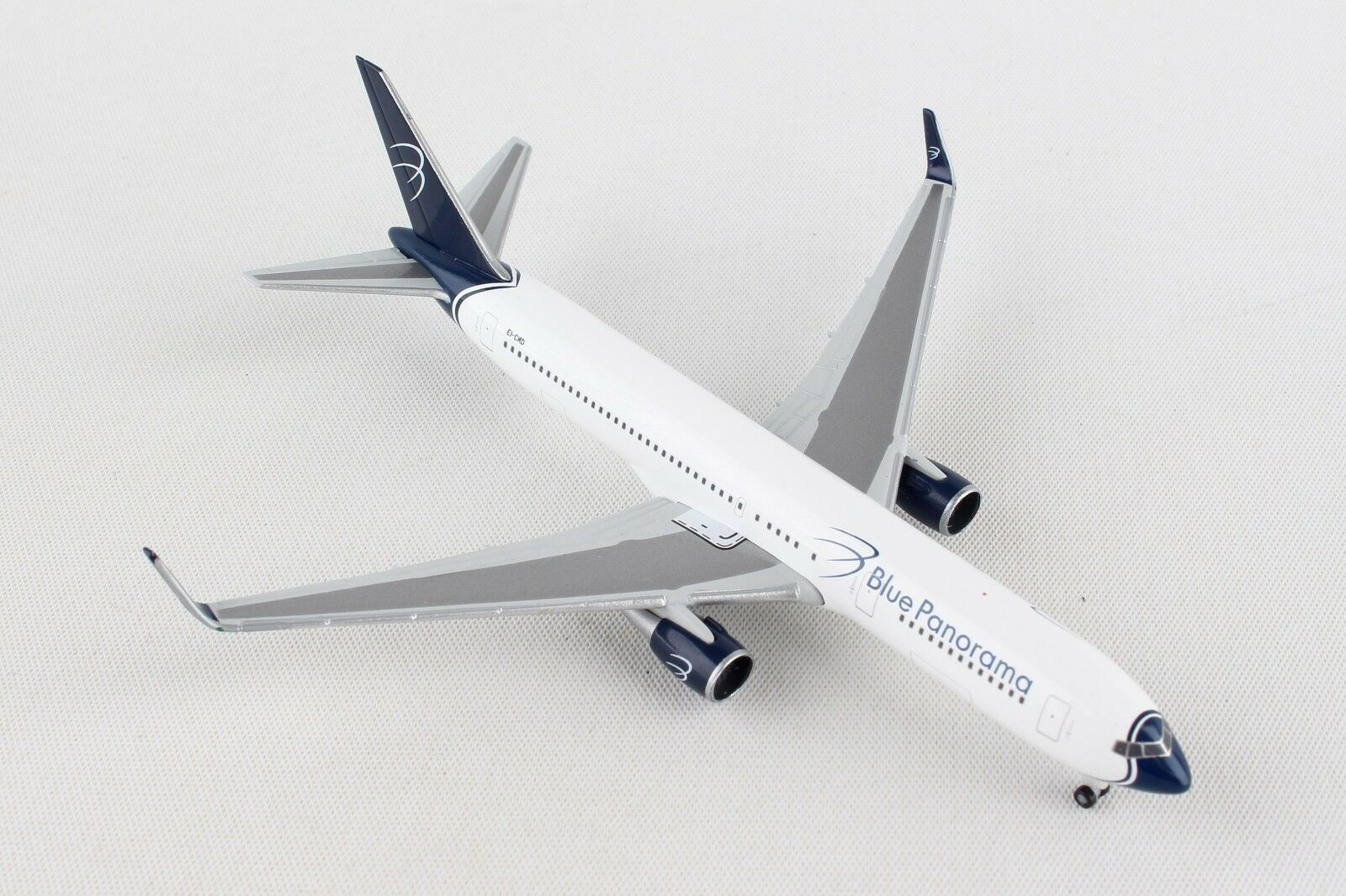 HE531559 HERPA WINGS blueE PANORAMA BOEING 767-300 1 500 DIE-CAST MODEL AIRPLANE