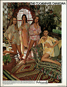 1970-3-Teen-girls-wearing-sleepsuits-Schrank-Co-vintage-photo-print-Ad-adL47