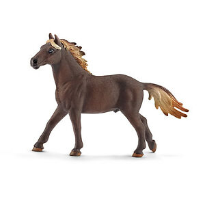 MUSTANG-STALLION-by-Schleich-NEW-2016-model-horse-toy-13805