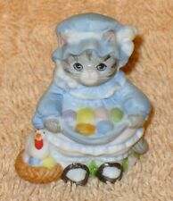 KITTY CUCUMBER THIMBLE SIZE PRISCILLA DRESSED IN BLUE WITH COLORED EGGS