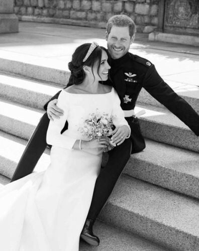 Duchess of Sussex UNSIGNED photograph M5195 Prince Harry /& Meghan NEW IMAGE