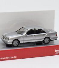 Herpa 031813 MB E 280 in dunkelblau-metallic mit OVP #14 1:87