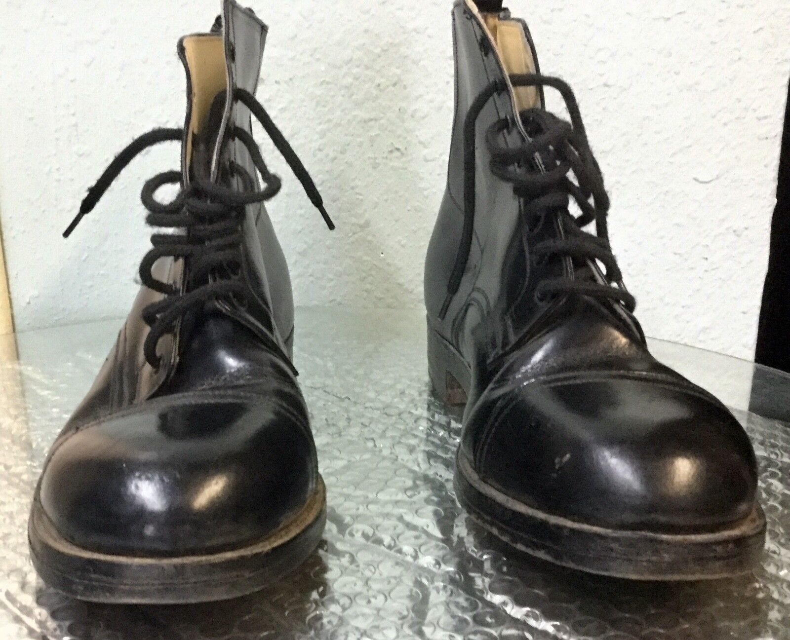 Vintage  BLACK LEATHER  CAP-TOE BOOTS  11