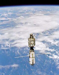 Nasa International Space Station en Orbite 11x14 Argent Halide Affiche MRvhranV-09094650-992831391