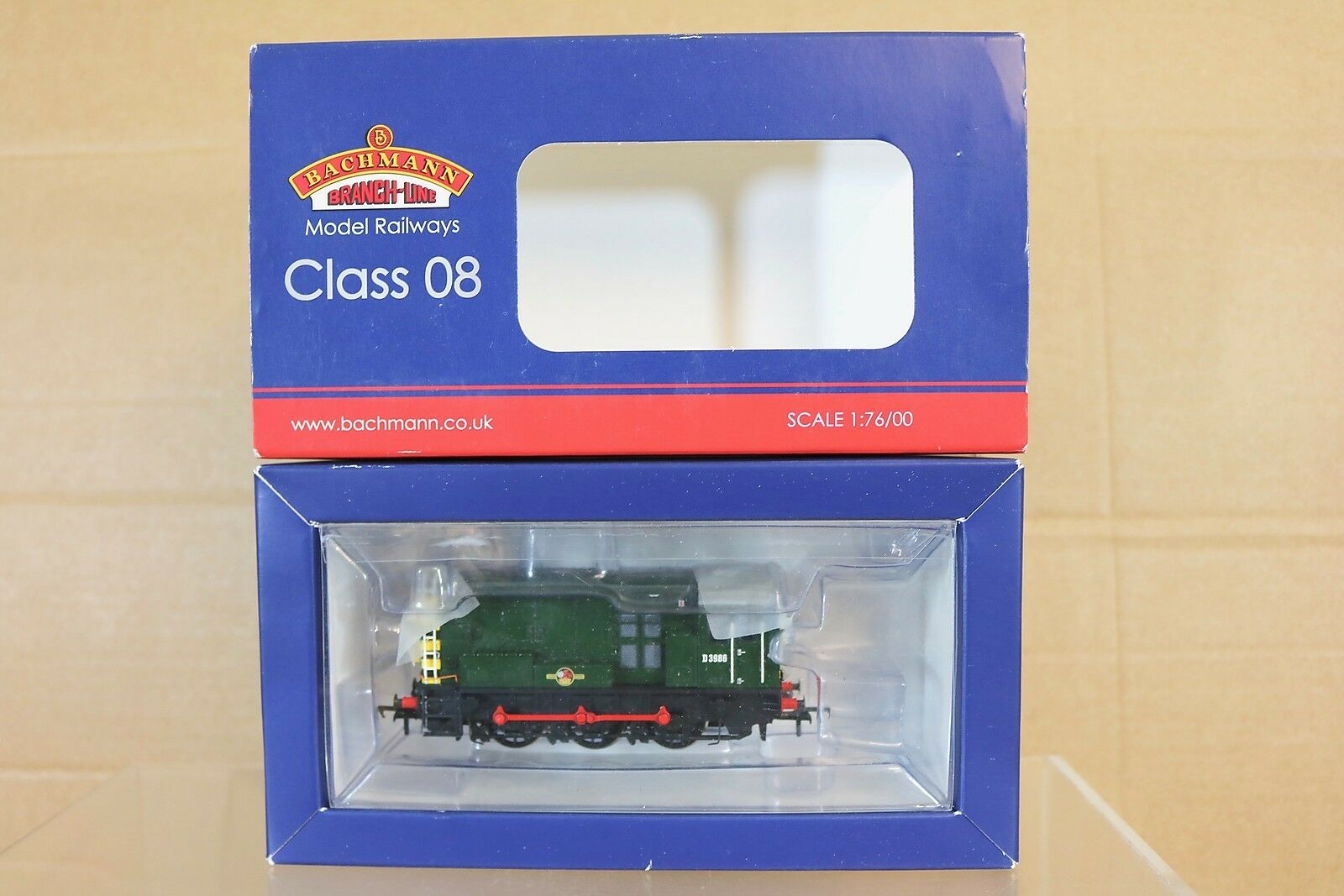 BACHMANN 32-116A DCC READY BR 0-6-0 CLASS 08 DIESEL SHUNTER LOCO D3986 BOXED py