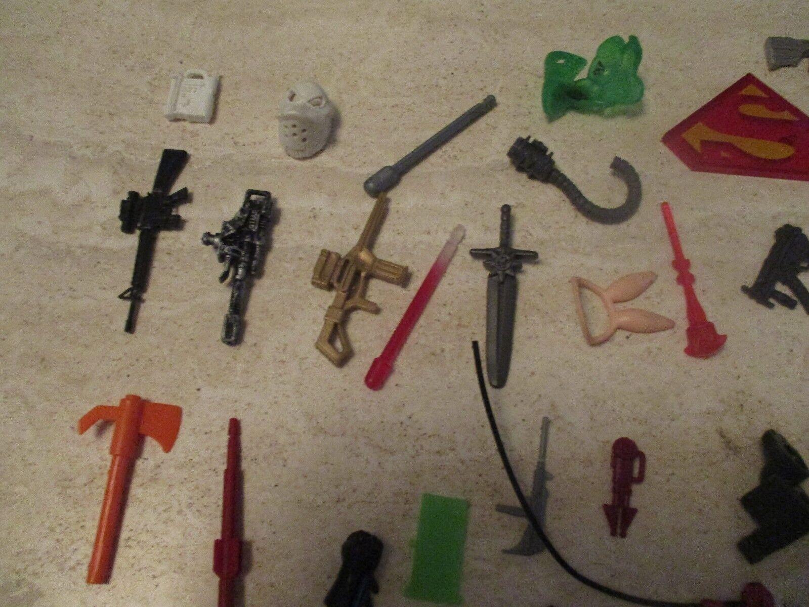 Lot Lot Lot of 50+ Reom Assorted azione cifra Accessories- Guns, Missiles e more  2 b9e7a8