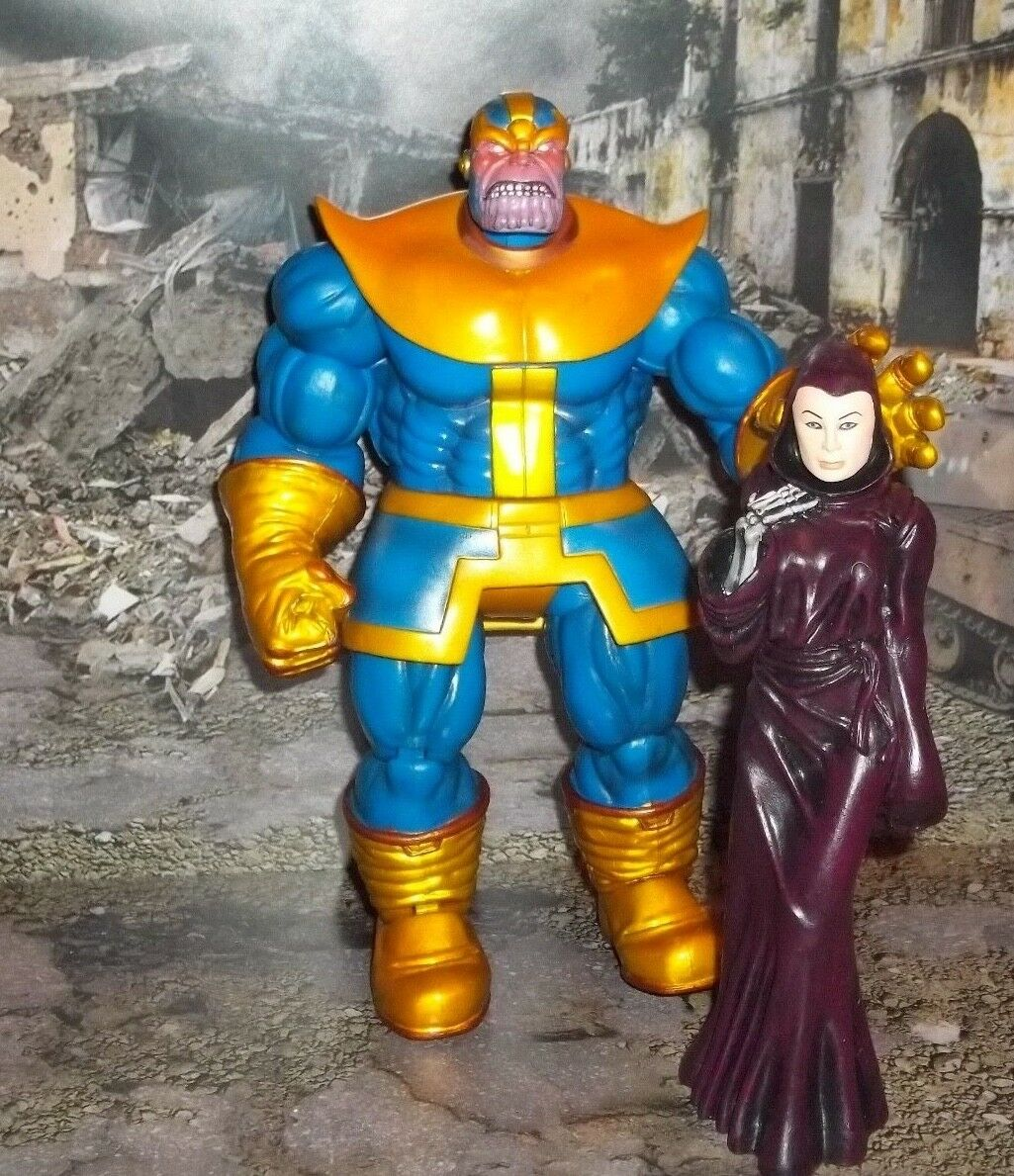 MARVEL SELECT DIAOMAND HUGE THANOS INFINITY GAUNTLET FIGURE WITH LADY DEATH 2011