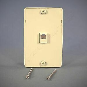 Cooper Wiring Devices 3521-4la Quick Mount 4-wire Telephone Jack With on