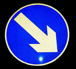 Keep-left-right-direction-arrow-reflective-Magnetic-Sign-60cm