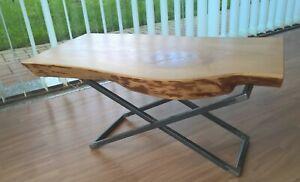 Dettagli su Tavolino in stile industriale con piano in cedro massello e  struttura in ferro