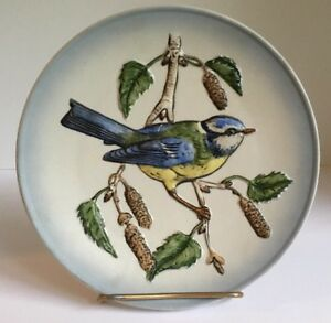 Vintage-Goebel-Hand-Painted-Wall-Plate-Blue-Titmouse-Bird-1974-W-Germany