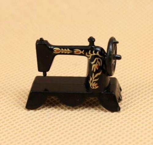 Simulation Sewing Machine Dollhouse Miniature 1:12 Scale Doll Furniture Craft ☆