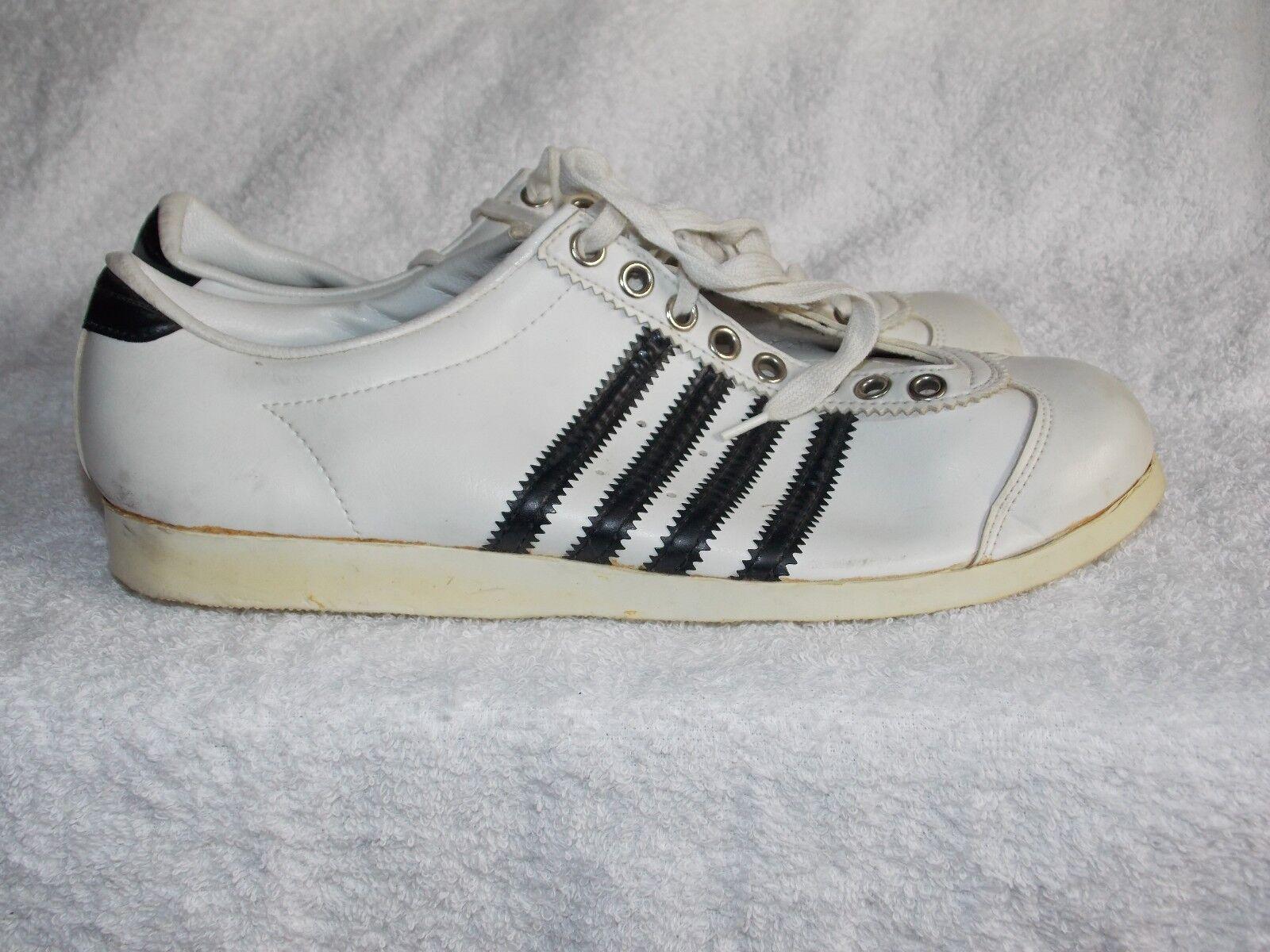 Sports WHITE BLACK Sneaker shoes 8 Women's Used