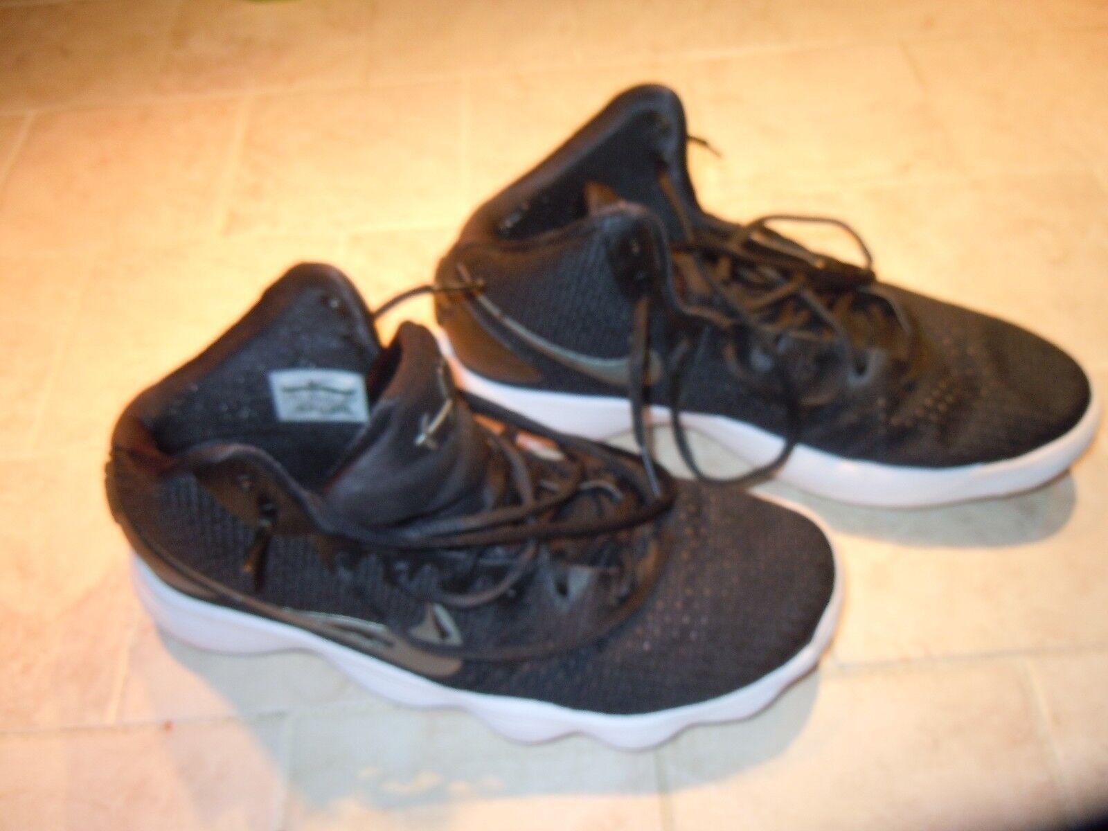 Nike hyperdunk pallacanestro Uomo scarpe taglia 10 1 / 2-nero solido