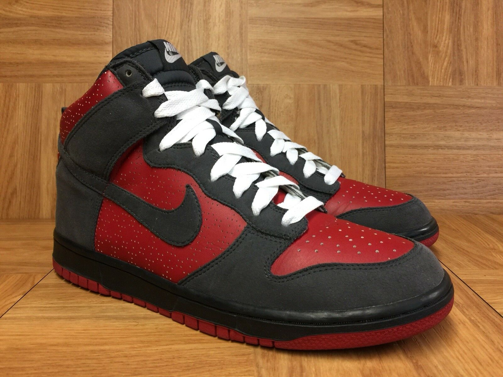 RARE Nike Dunk High Varsity Red Anthracite Suede White 9 317982-601 ULTRAMAN
