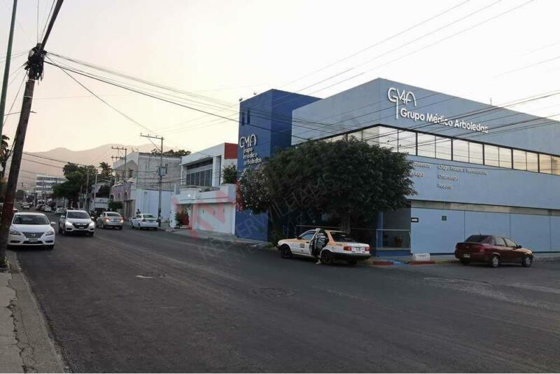 Consultorio medico en venta en Grupo Medico Arboledas, sobre la 16 Poniente