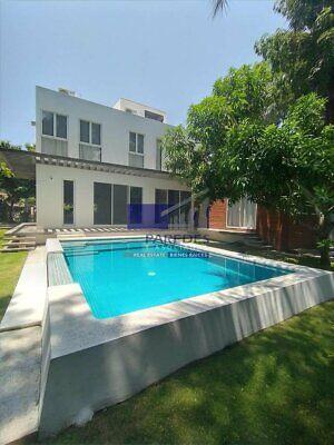 Casa nueva, 4 recamaras con alberca, 3 cuadras zona hotelera (C-114)