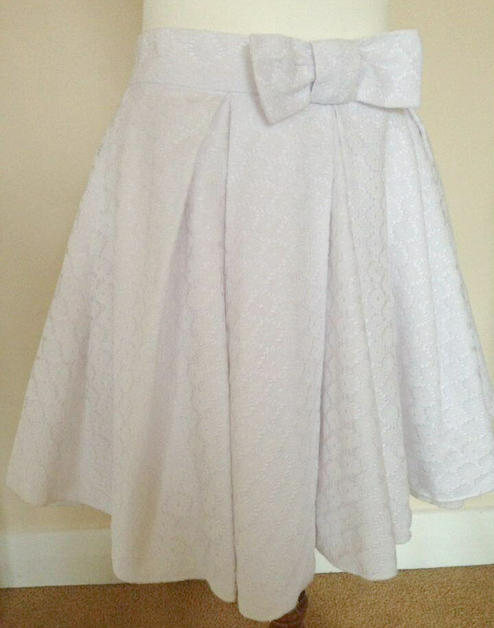 NEW JONES & JONES LACE BRODERIE ANGLAISE PUFFBALL MINI SKIRT COMPLETELY SOLD-OUT